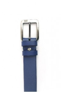 Cinturón de piel azul...